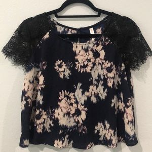 Floral Crop Top with Lace Sleeves